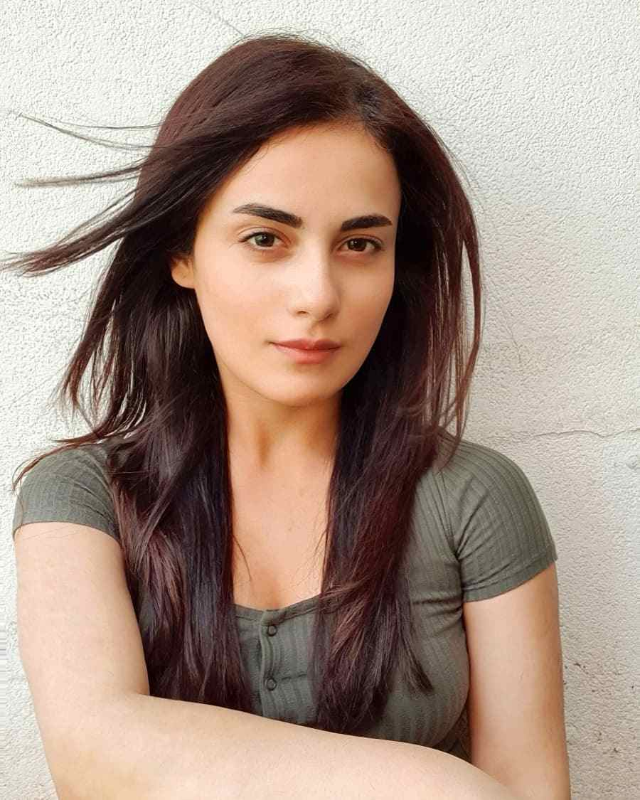 Radhika Madan Biography, Wiki, Age, Boyfriend, Net Worth & Photos